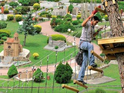 Ziplining+Scale Model Exhibit for adults, BCN