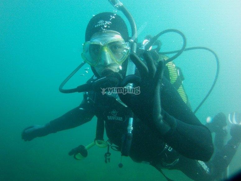 潜水员在Portonovo