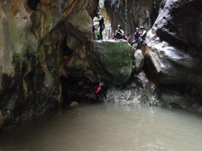 在 Garganta Verde 中等级别峡谷漂流