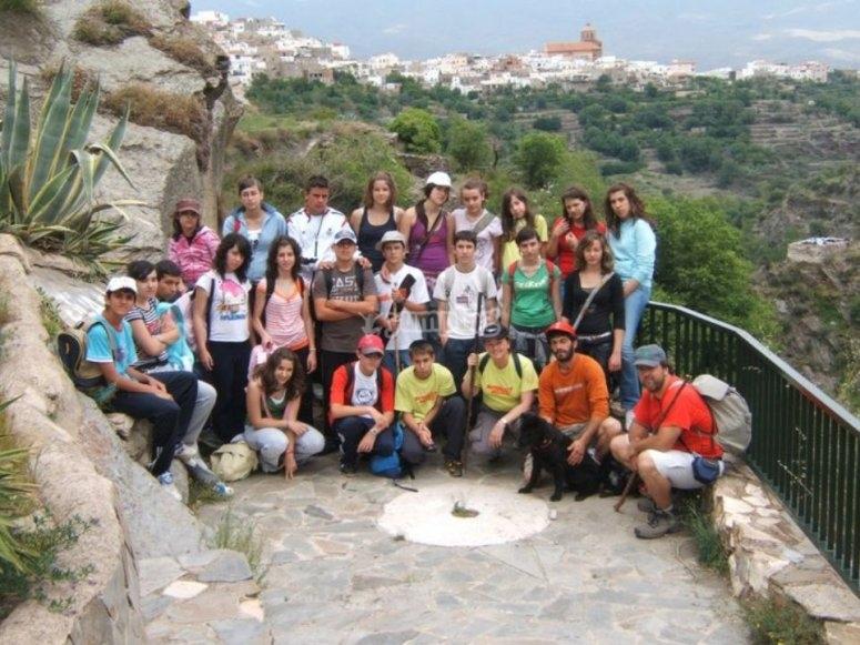 Grupo de alumnos durante la actividad