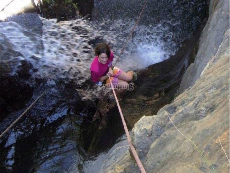 Rappel desde la cascada