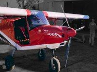 我们美丽而现代的超轻飞机