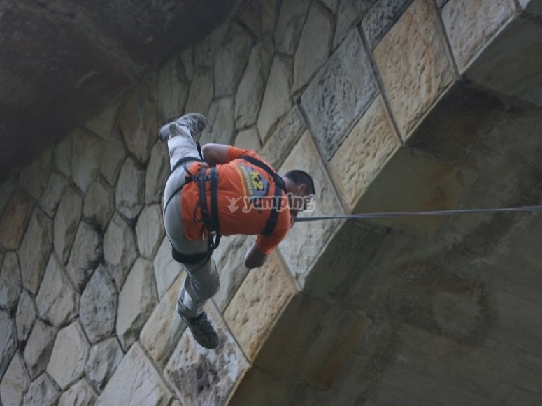 Saltando dal ponte
