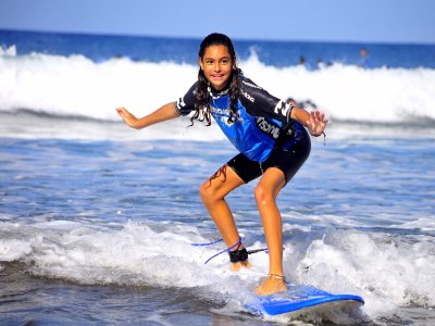 Surfing for kids in Gran Canaria, 2 hours