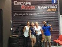 Sala de escapismo junto a pista de karting
