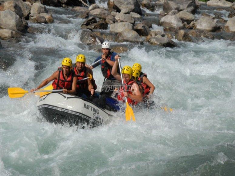 Descendiendo el Noguera en rafting