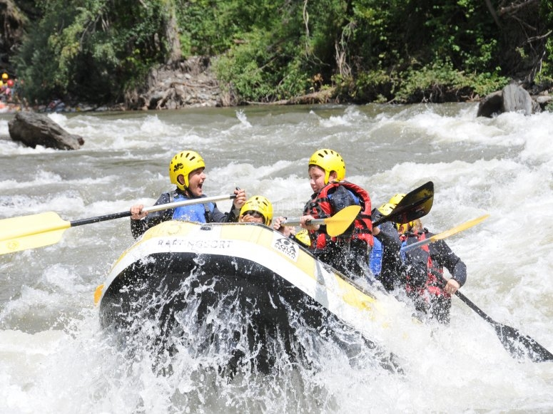 Descending Noguera by rafting