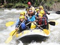 Discesa del rafting per bambini a Noguera Pallaresa