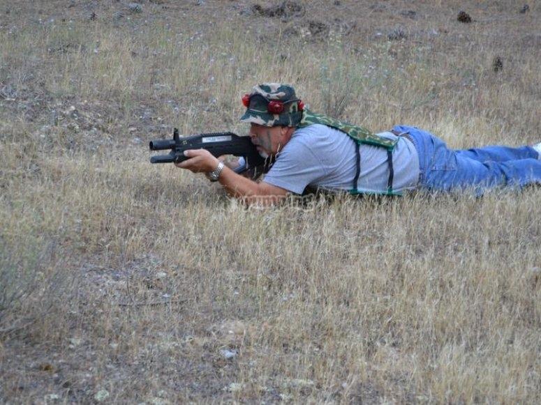 Disparando desde el suelo