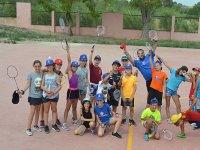 Clase de badminton en el campamento