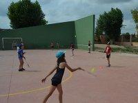 Practicando deporte en el campamento