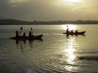 Kayaks en Santander al atardecer