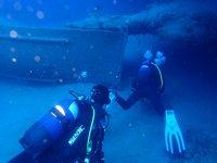 传递沉船潜水下