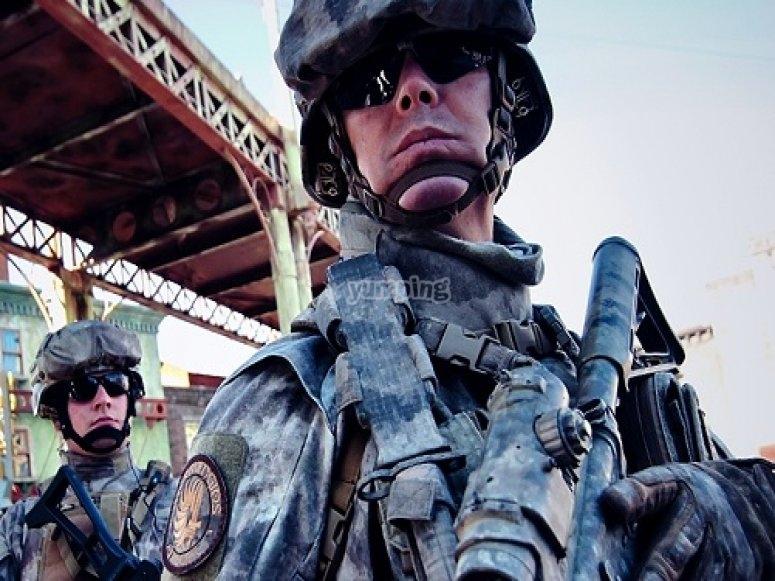 Soldados vigilando
