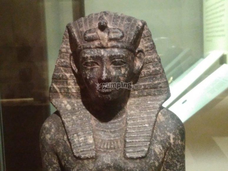 Busto de faraon