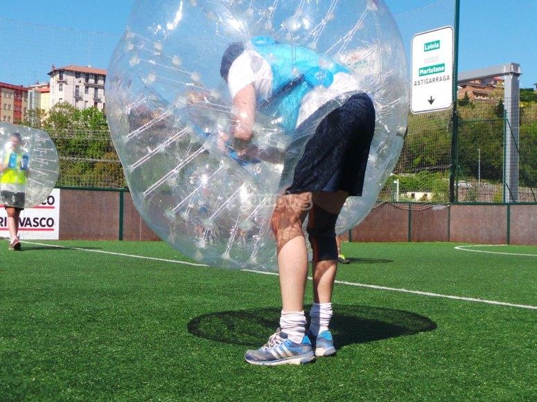 Listo para chutar con la burbuja