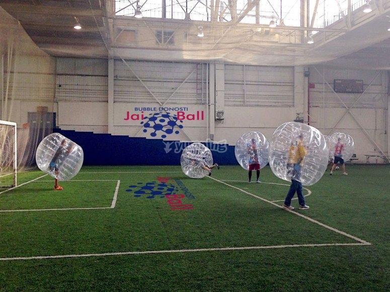 Futbol con burbujas de plastico