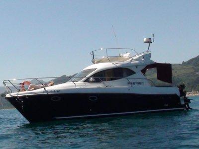 Exclusive boat trip bachelorette party Getxo 2h