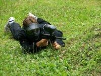 Tirado en el suelo para disparar