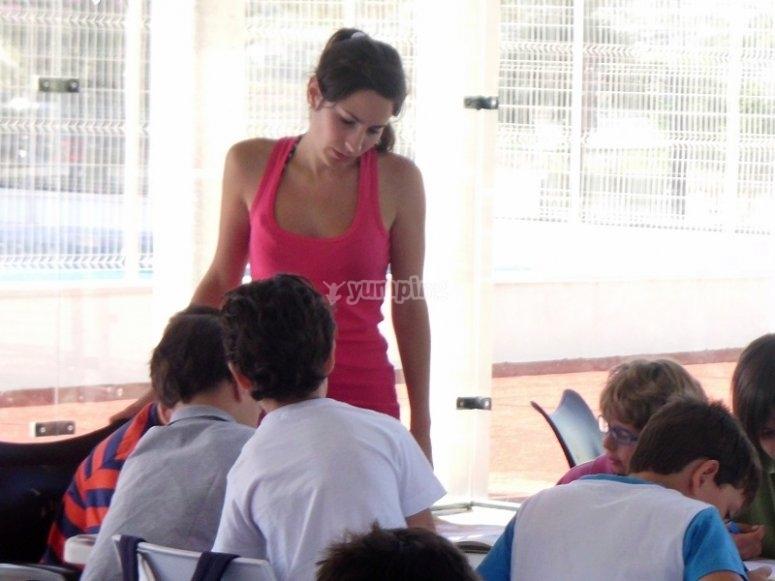 Profesora de inglés del campamento