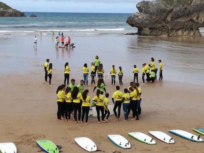 Corso di surf a Llanes