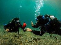 Junto al instructor en la inmersión
