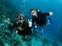 参加潜水课程
