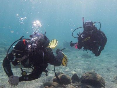 潜水在马拉加海岸潜水