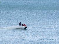 Acelerando con el jet ski