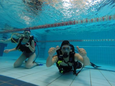First diving pool experience Zaragoza