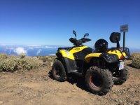 Disfrutando de las vistas en quad