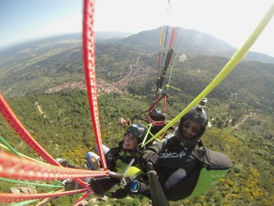 Volar en Parapente en Pedro Bernardo 20 minutos