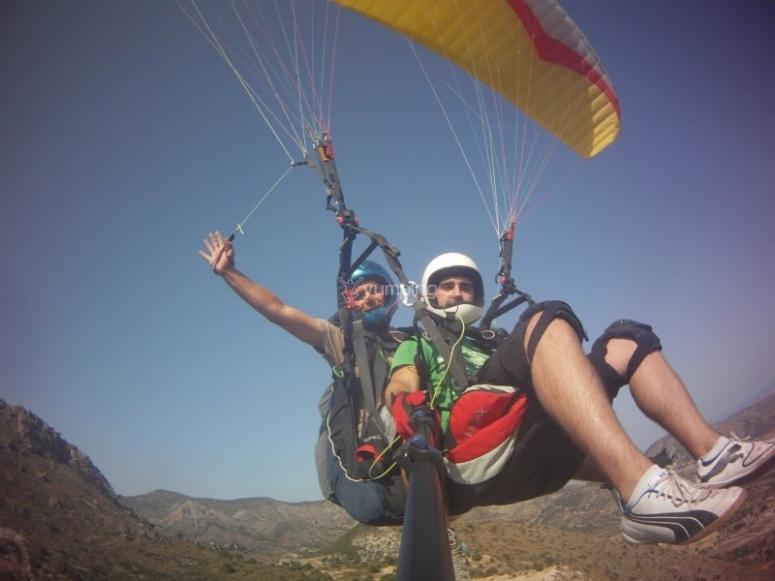 Atrevete a volar en parapente en Alicante