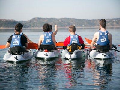 Navegar en kayak Embalse de la Breña y comida 5h.