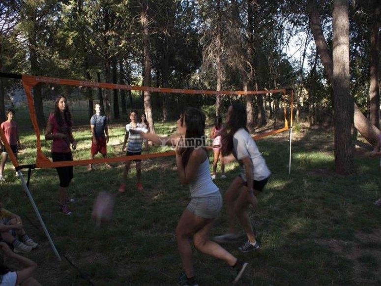 Realizando actividades deportivas