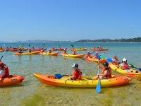 皮划艇为学童Carreirón自然公园