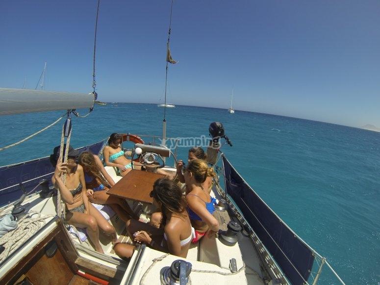 Buon cibo e compagnia sulla nostra barca per gli addii