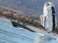 Barco del parasailing