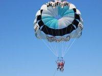 Volando juntos en parascending