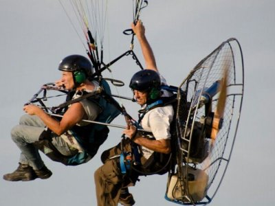 Volar en paramotor biplaza en Salou con vídeo