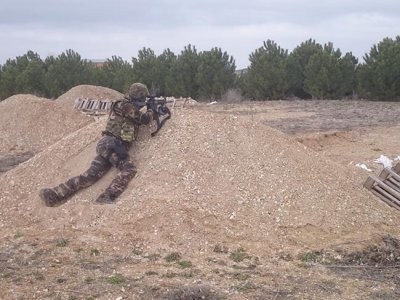 Airsoft在La Parrilla课程保护和弹药