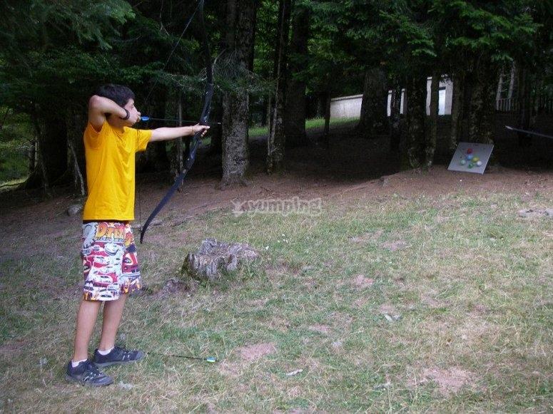 Archery in a Huesca camp