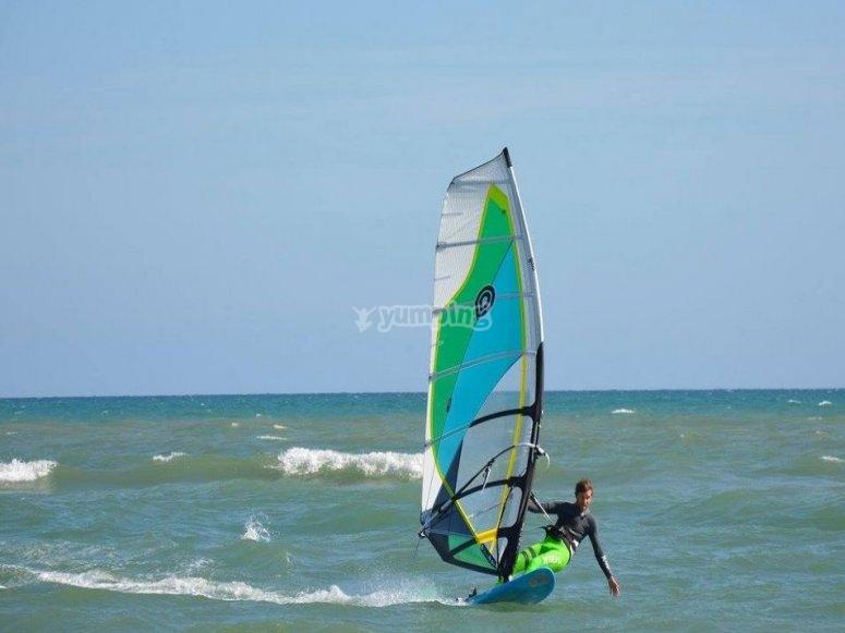 Windsurfing glide