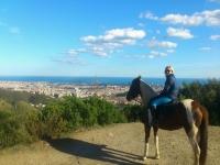 骑马在Collserola自然公园