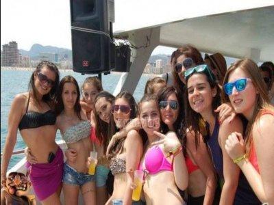 Boat party en playa de Gandía sábado tarde