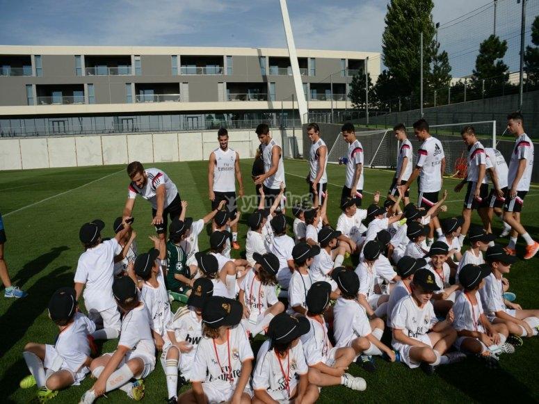 Conociendo a las estrellas del Real Madrid.jpg