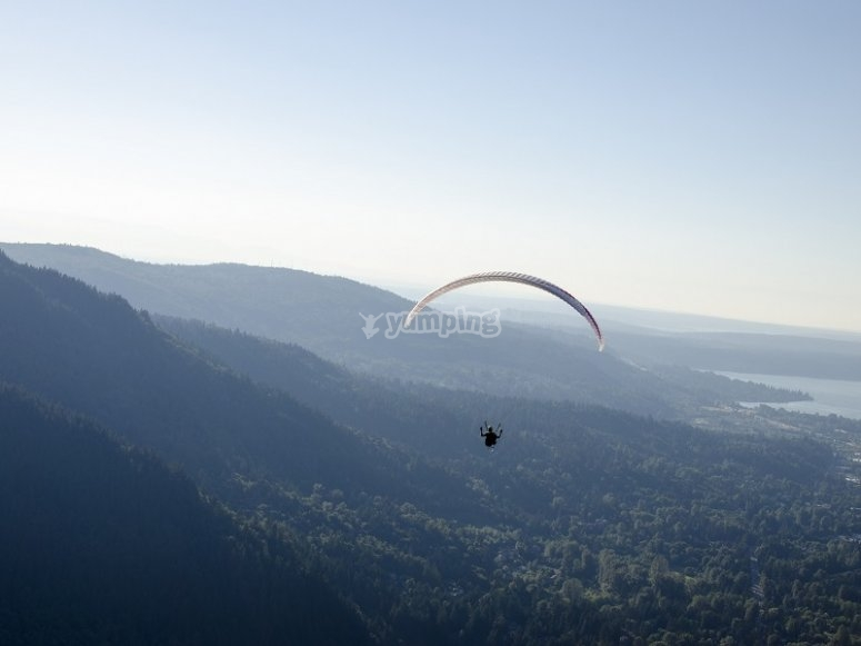Flight experience in a paraglide near Barcelona