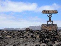 Visita al volcán de Timanfaya y cata de vinos