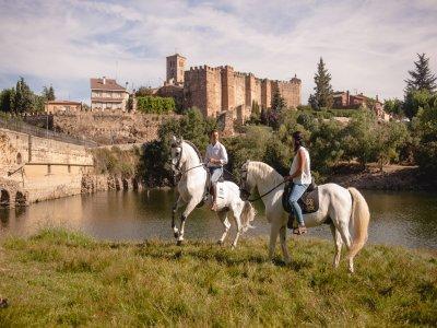 Montar a caballo Buitrago de Lozoya en exclusiva