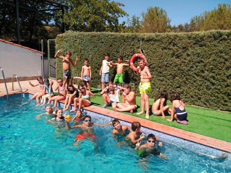 Natacion en la piscina